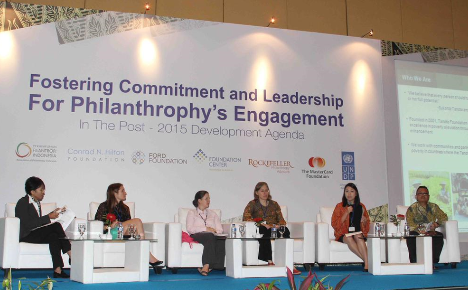 Belinda Tanoto shares the mission and work of Tanoto Foundation at the UNDP session on philanthropy.