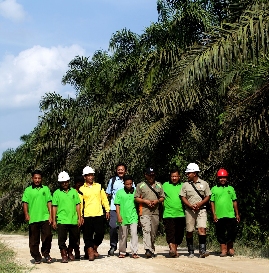 Asian Agri walks together with Amanah independent smallholders