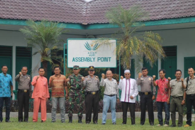 Private, public and people sectors coming together at the Asian Agri Learning Institute for a common fire-fire goal. (Image source: GoRiau)