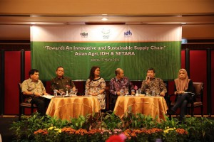 Asian Agri, IDH and SETARA will roll out a 3-year plan for independent smallholder engagement. (Image source: SawitIndonesia.com)
