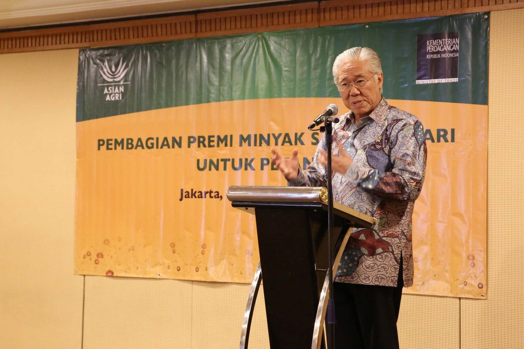 Asian Agri Distributes IDR 2.6 Billion to 29,000 Smallholders at Premium Sharing Ceremony