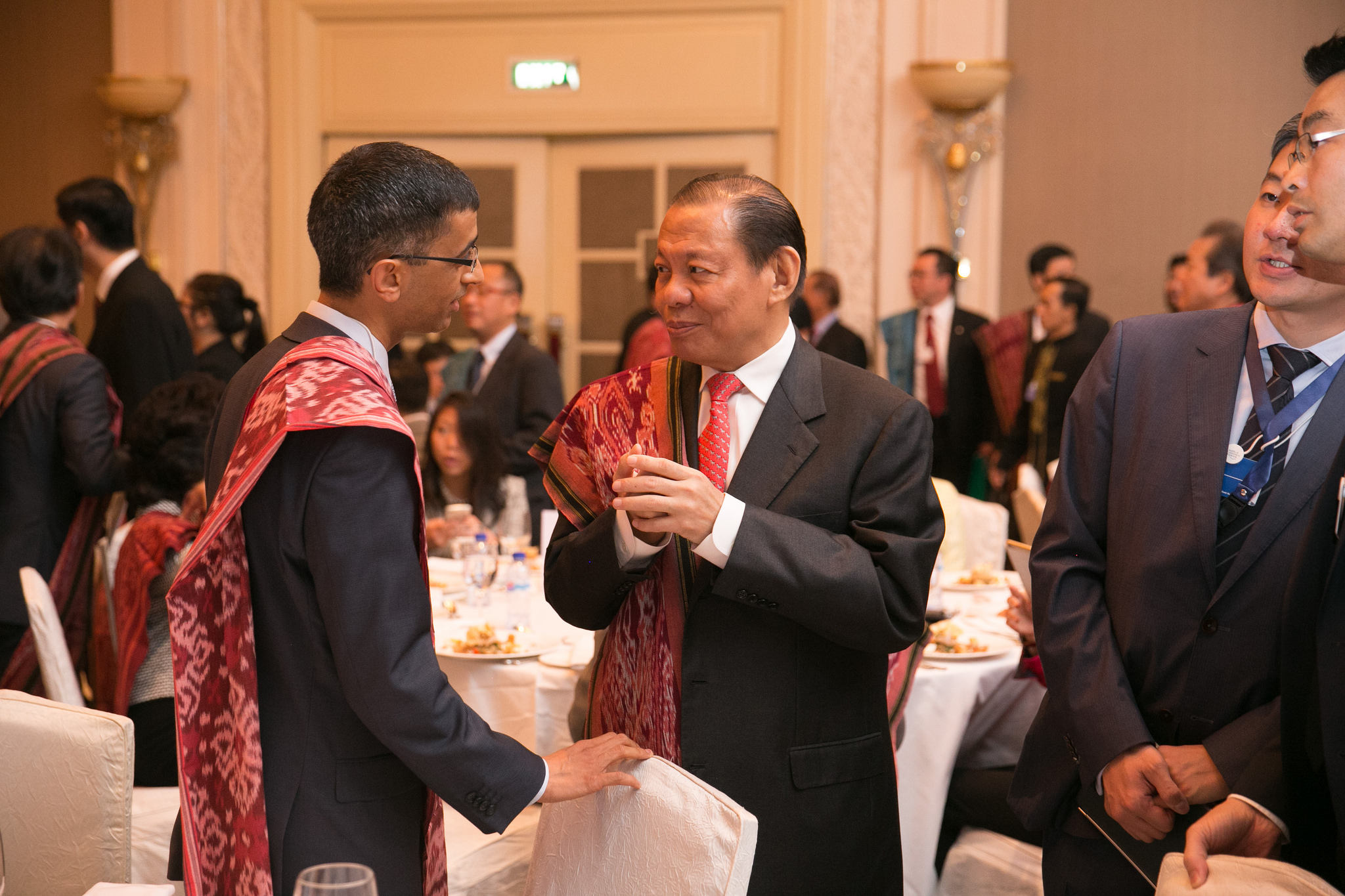 RGE Chairman Sukanto Tanoto speaking with WEF delegates