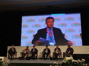 Bey Soo Khiang speaking among fellow Tropical Landscapes Summit 2015 panelists