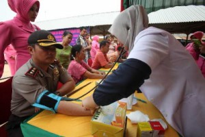 RAPP collaborates with the local police to set up healthcare and medical posts to provide free medical care for the community in Siak, Riau.