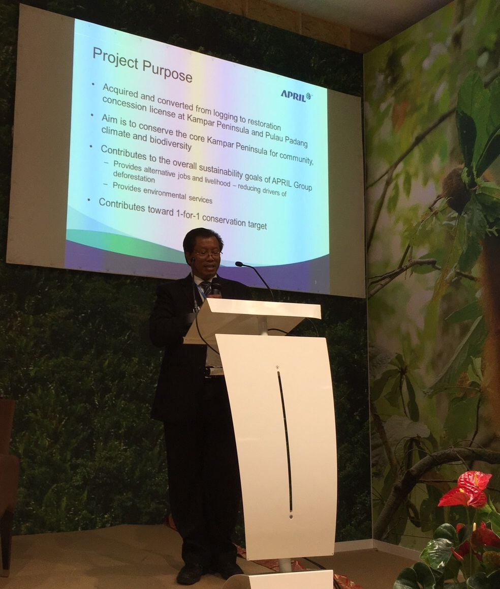 Conservation Director Dr Petrus Gunarso presents the RER Programme at the Indonesia Pavilion in COP21