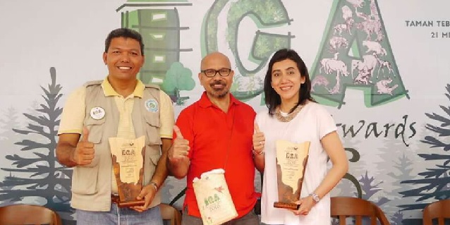 Inside RGE - APRIL Group Indonesia Green Awards Sailal Arimi Dian Novarina La Tofi