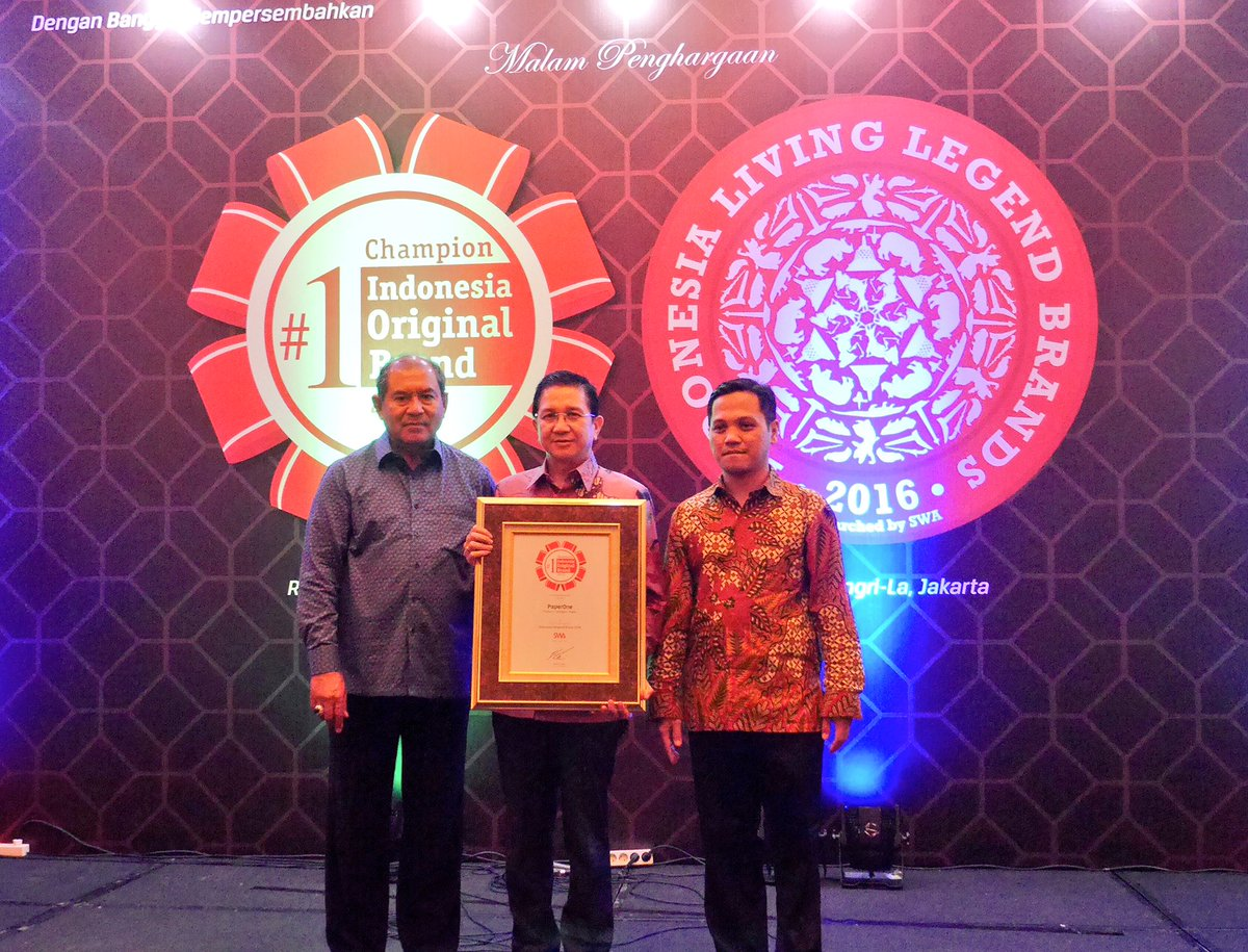 PaperOne clinches the SWA Indonesia Original Brand 2016 award