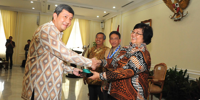 Asian Agri Gets Company Performance Improvement Award from Minister of Environment and Forestry