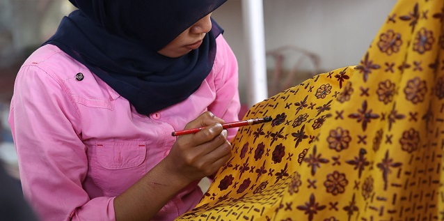 The Beautiful Batik of Pelalawan: PT RAPP Helps Five Batik Motifs Gain Intellectual Protection