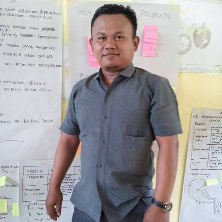 Fahri Hidayat is a field staff with Tanoto Foundation based in Jambi
