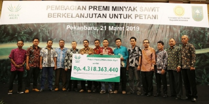 Asian Agri Gives IDR 4.3B of Profits to Partnered Smallholders