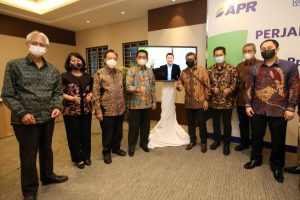 Asia Pacific Rayon (APR) syndicated loan announcement with Anderson Tanoto